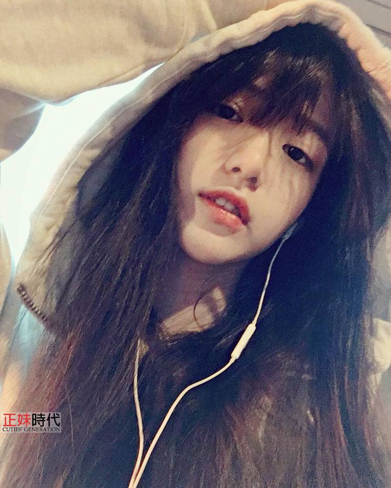 王緒緒 Anna 征服大陸網友的台藝大甜美系花
