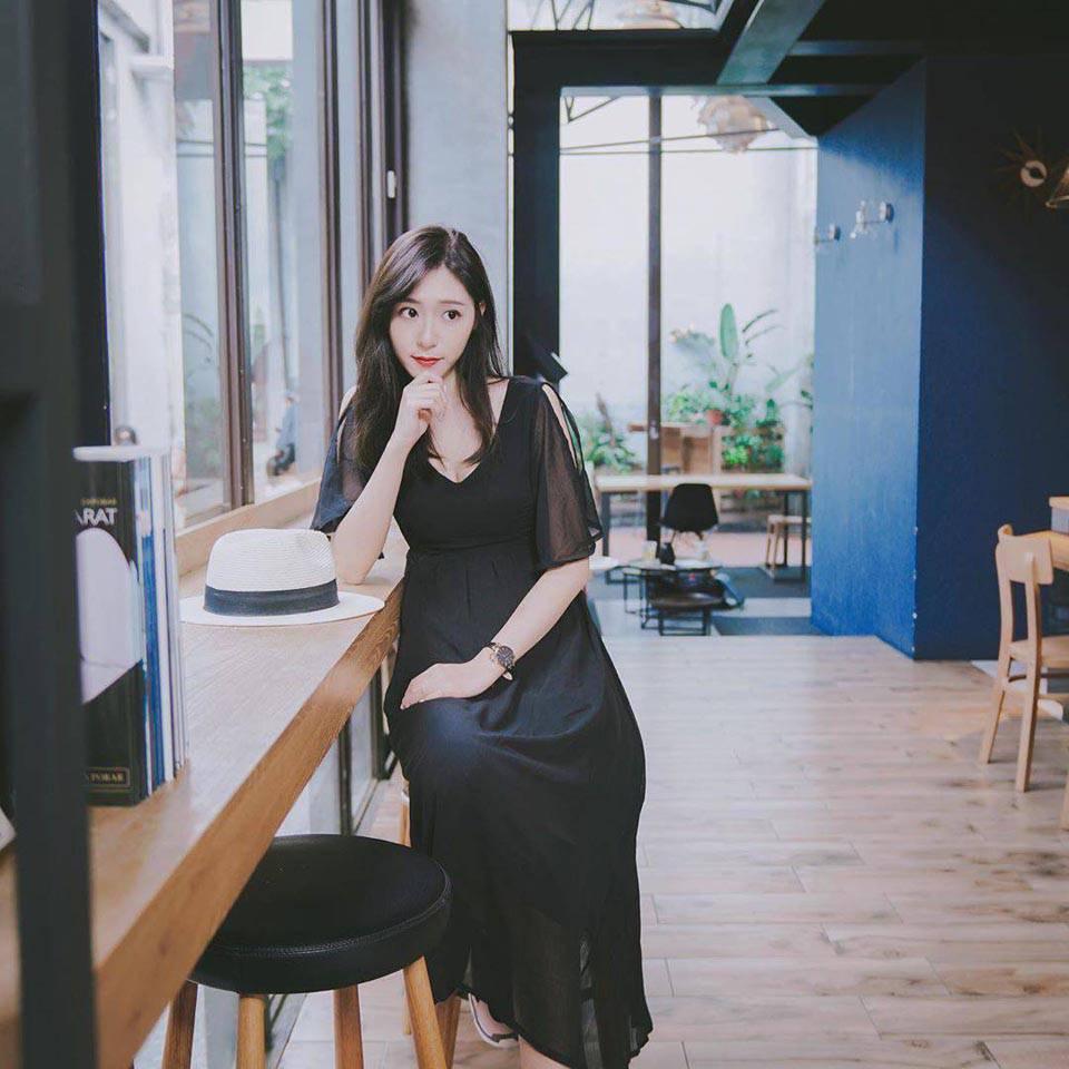黑色美背洋裝