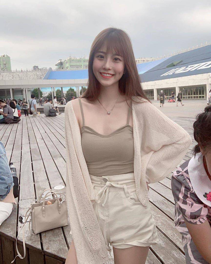 杏色罩衫&綁帶短褲 溫柔+100